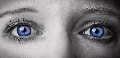 Farbige Kontaktlinsen Bild: denis_todorut by Flickr unter cc