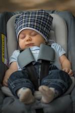 Baby sicher im Kindersitz - Pixabay